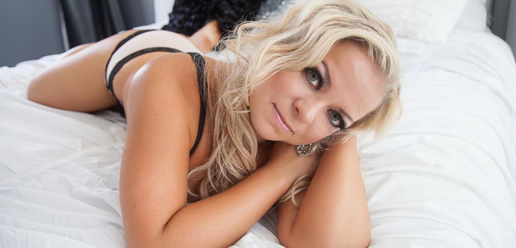 sexy bridal boudoir