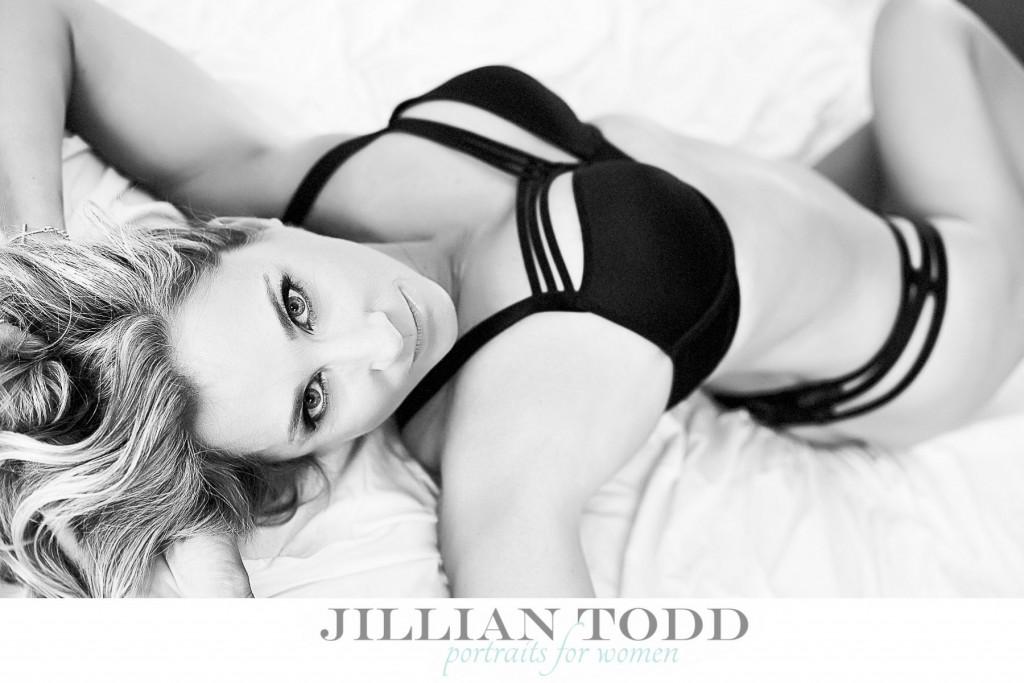 boudoir-pictures-sacramento-blonde-ms-a-black-and-white