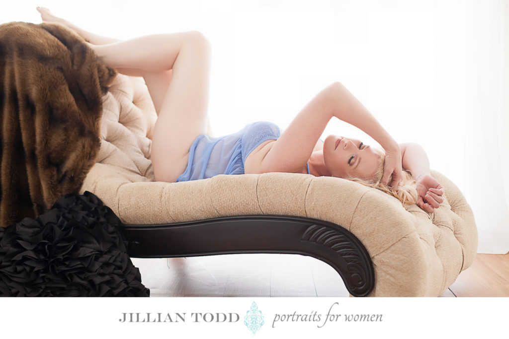 boudoir sacramento photo of blonde woman on chaise
