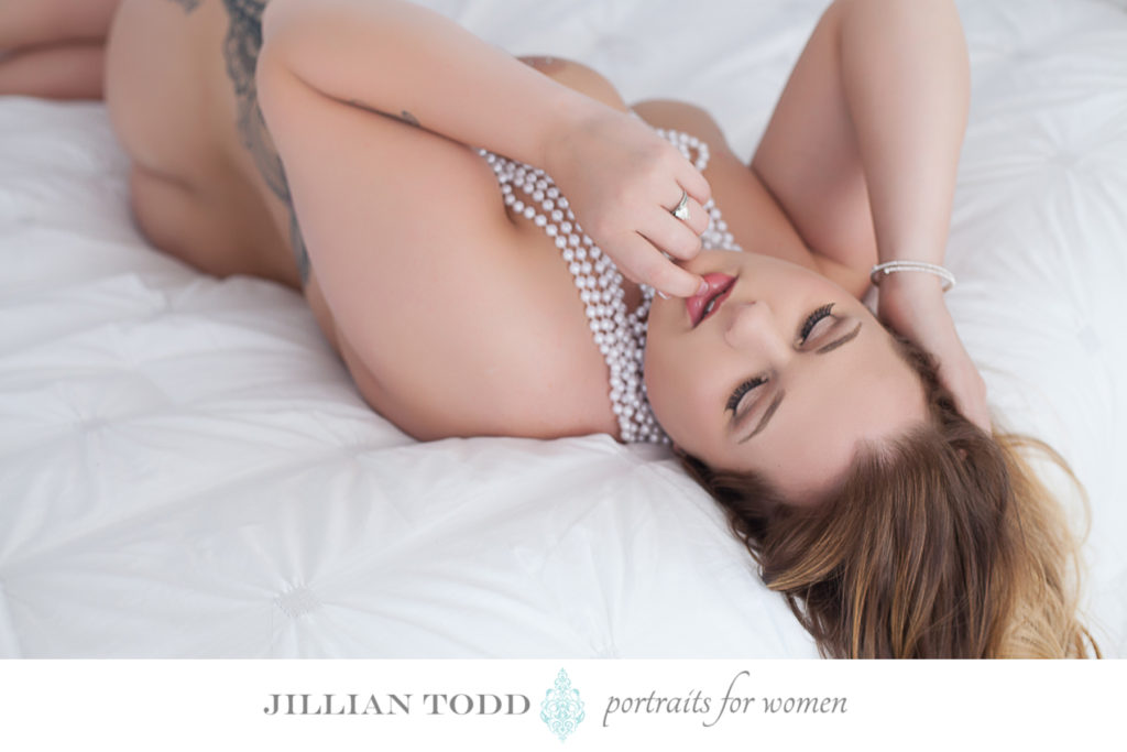 sacramento-boudoir-pictures-on-bed