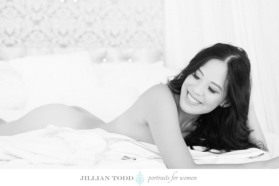 woman on bed Elk Grove Boudoir picture